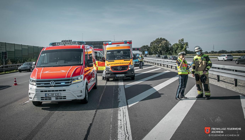Technische Hilfe - THL 5 VU mehrere LKW mit eingeklemmten Personen